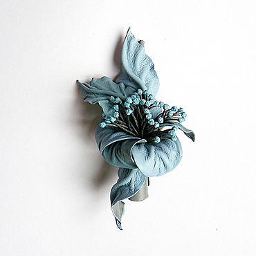 Украшения ручной работы. Ярмарка Мастеров - ручная работа Заколка зажим для волос цветок голубой небесный с тычинками. Handmade.