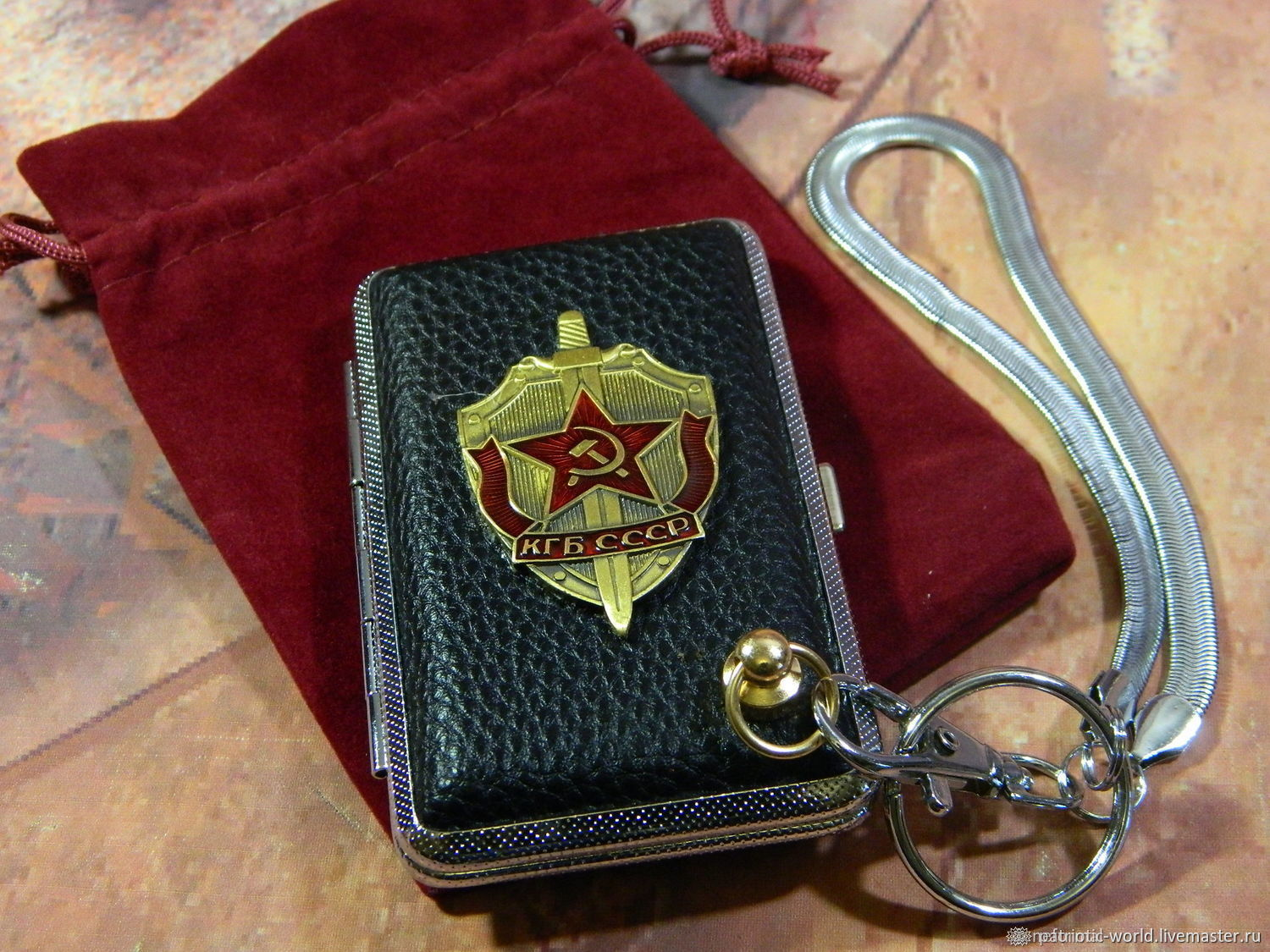 Cigarette case for 12,18 cigarettes with the image of symbols of the Soviet period, Cigarette cases, Saratov,  Фото №1