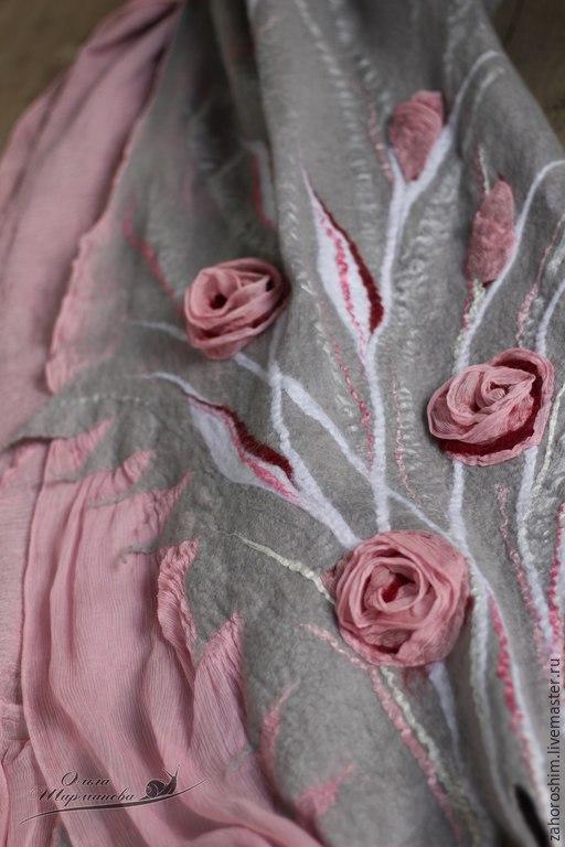 """Шали, палантины ручной работы. Ярмарка Мастеров - ручная работа. Купить Палантин """"Розовые туманы"""", нунофелтинг. Handmade. Серый, розы"""