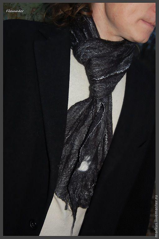 """Шарфы и шарфики ручной работы. Ярмарка Мастеров - ручная работа. Купить Мужской шарф """"След волка"""", войлок. Handmade. Черный"""