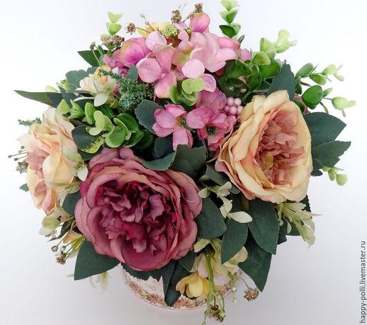 Винтажная композиция `ROSE GARDEN` в металлическом кувшине, в композиции использованы пионовидные розы, гортензия, мелкоцвет и много различной зелени отличного качества, будет чудесным украшением Вашего интерьера, офиса, кафе и т.д....!