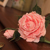 """Украшения ручной работы. Ярмарка Мастеров - ручная работа Войлочная брошь """"Чайная роза"""". Handmade."""