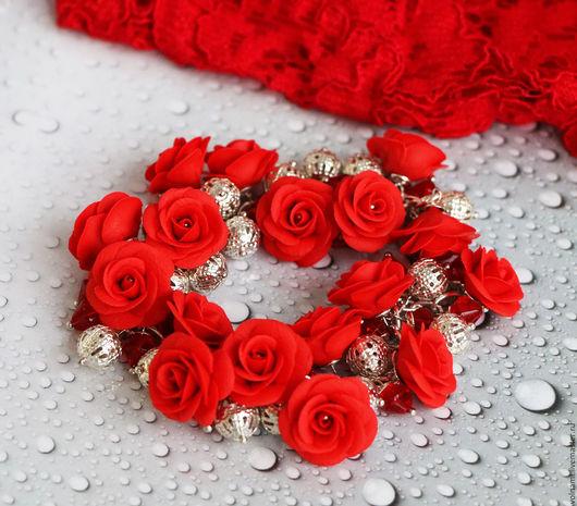 """Браслеты ручной работы. Ярмарка Мастеров - ручная работа. Купить """"Алые розы"""" браслет. Handmade. Ярко-красный, подарок, браслет"""