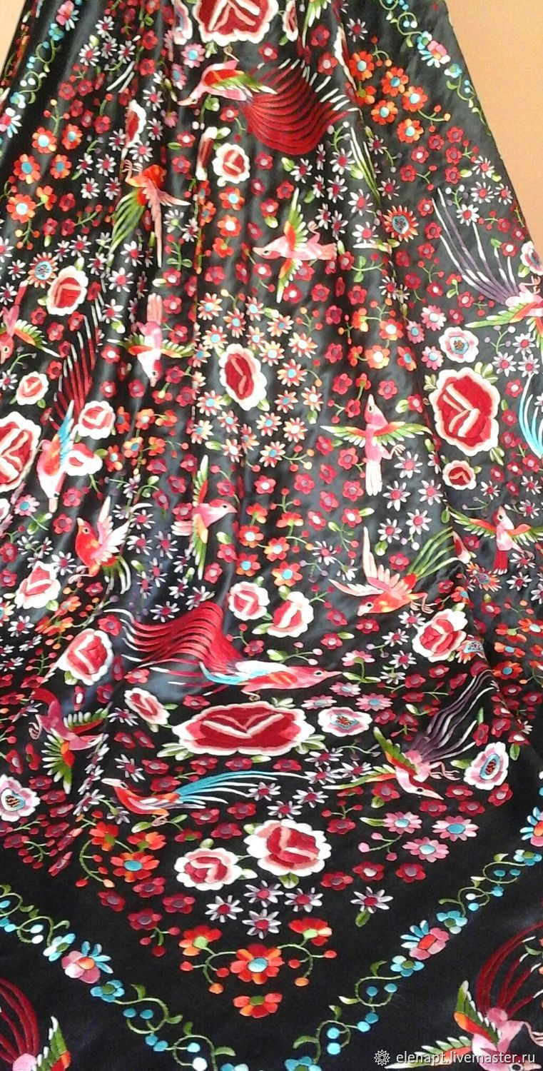 The most amazing 'Manton de Manila' with firebirds and flowers, Shawls, ,  Фото №1
