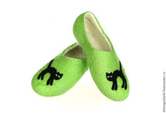 Обувь ручной работы. Ярмарка Мастеров - ручная работа. Купить Тапочки Кошки. Handmade. Войлочные тапочки, дизайнерские тапочки