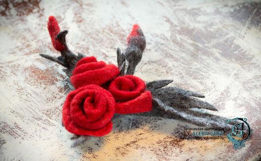 """Броши ручной работы. Ярмарка Мастеров - ручная работа. Купить Брошь/заколка """"Букет алых роз"""". Handmade. Ярко-красный"""