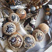 """Колье ручной работы. Ярмарка Мастеров - ручная работа """"Серебряные пески"""" бусы войлочные. Handmade."""