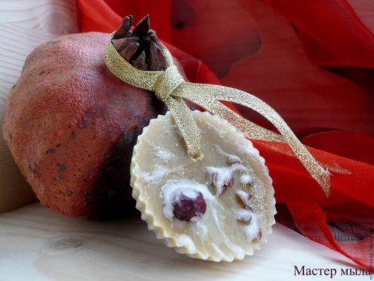 """Релаксация, ароматерапия ручной работы. Ярмарка Мастеров - ручная работа. Купить Новогоднее флорентийское саше """"Гранатовый поцелуй"""". Handmade."""