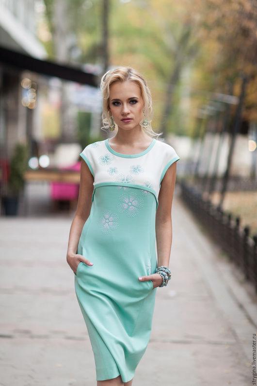 Платья ручной работы. Ярмарка Мастеров - ручная работа. Купить платье MENTA. Handmade. Мятный, ручная вышивка, офисная линия