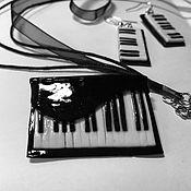 Украшения ручной работы. Ярмарка Мастеров - ручная работа Кулон и серьги из полимерной глины Моей музыкальной. Handmade.