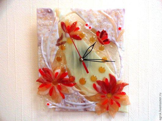 """Часы для дома ручной работы. Ярмарка Мастеров - ручная работа. Купить Часы """"Коралловые цветы"""". Handmade. Часы фьюзинг, коралл"""