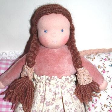 Куклы и игрушки ручной работы. Ярмарка Мастеров - ручная работа Куколка в пришивном комбинезоне бежевая 32 см. Handmade.