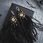 Серьги классические ручной работы. Ярмарка Мастеров - ручная работа Серьги с черными перьями и кристаллами Swarovski. Handmade.