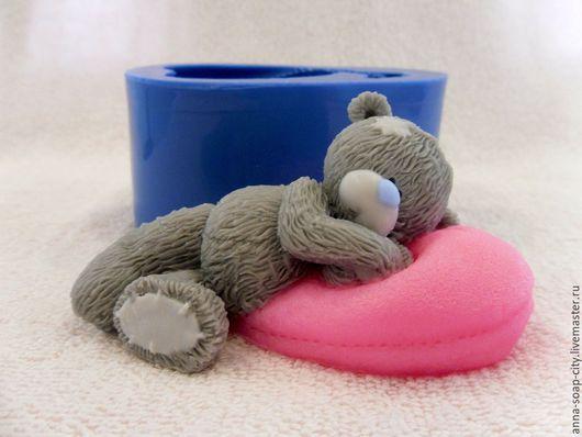 """Другие виды рукоделия ручной работы. Ярмарка Мастеров - ручная работа. Купить Силиконовая форма для мыла """"Мишка Тедди на подушке"""". Handmade."""