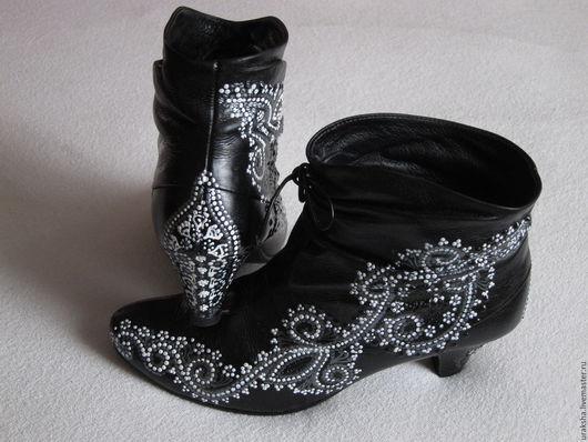 Обувь ручной работы. Ярмарка Мастеров - ручная работа. Купить Ботильоны Кружево. Handmade. Чёрно-белый, оригинальная обувь