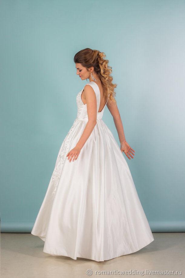 Свадебное атласное платье с вышивкой, Платья, Москва,  Фото №1