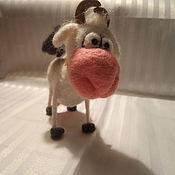 Куклы и игрушки ручной работы. Ярмарка Мастеров - ручная работа игрушка валянная корова Мурка. Handmade.