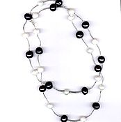 Украшения handmade. Livemaster - original item Silver necklace and bracelet set with black and white pearls. Handmade.