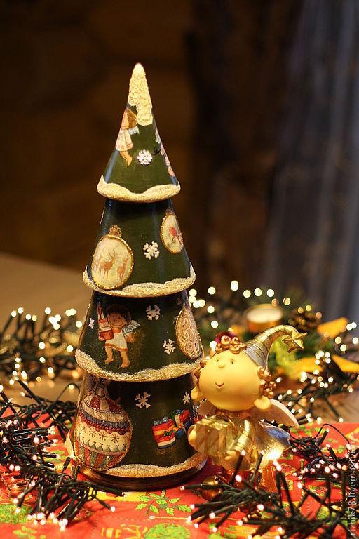 Отличное интерьерное украшение новогоднего стола. Прослужат Вам не один год, может занять достойное место в центре праздничного стола загородного дома и радовать Вас и Ваших гостей все новогодние праз