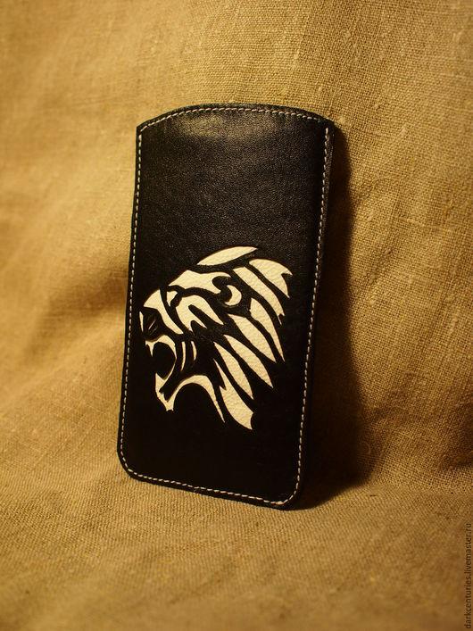 Для телефонов ручной работы. Ярмарка Мастеров - ручная работа. Купить Чехол для телефона samsung, iphone из кожи чёрный White lion. Handmade.