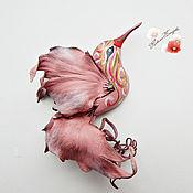 """Украшения ручной работы. Ярмарка Мастеров - ручная работа брошь из кожи, птичка.""""Розовая"""" украшение. Handmade."""