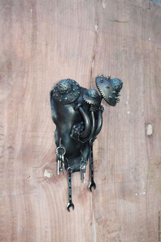 """Прихожая ручной работы. Ярмарка Мастеров - ручная работа. Купить Ключница с планеты """"Малая Шелезяка"""". Handmade. Черный, ключница, шестерёнки"""