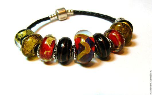 """Браслеты ручной работы. Ярмарка Мастеров - ручная работа. Купить """"Золотая река"""", кожаный браслет с бусинами lampwork. Handmade."""