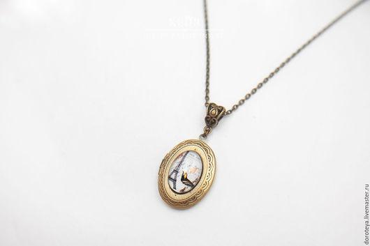 Кулоны, подвески ручной работы. Ярмарка Мастеров - ручная работа. Купить открывающийся кулон с Парижем, медальон для фото, винтажное украшение. Handmade.