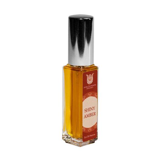 Shiny amber - натуральные  духи  про сияющую амбру, янтарный, солнечный аромат, который вобрал в себя все тепло лета. Солнечный свет во флаконе.