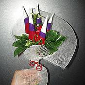 """Подарки к праздникам ручной работы. Ярмарка Мастеров - ручная работа Букет из конфет """"С праздником"""". Handmade."""