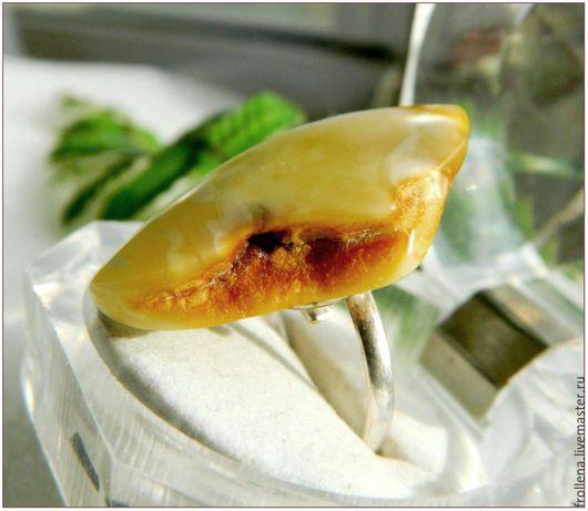 """Кольца ручной работы. Ярмарка Мастеров - ручная работа. Купить Кольцо """"Хлеб с маслом""""  белый янтарь. Handmade. Янтарный, янтарь"""