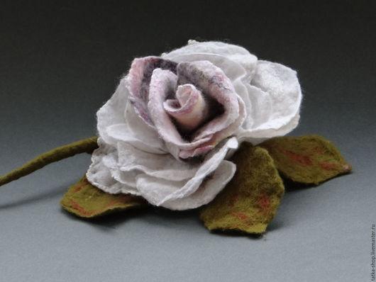 """Броши ручной работы. Ярмарка Мастеров - ручная работа. Купить Брошь валяная """"Роза"""". Handmade. Комбинированный, валяная, цветы, шёлк"""