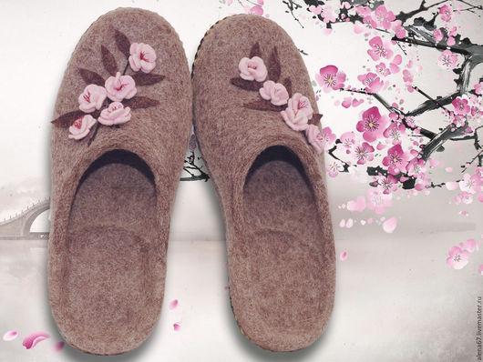 Обувь ручной работы. Ярмарка Мастеров - ручная работа. Купить тапочки валяные. Handmade. Сиреневый, тапочки женские, тапочки домашние