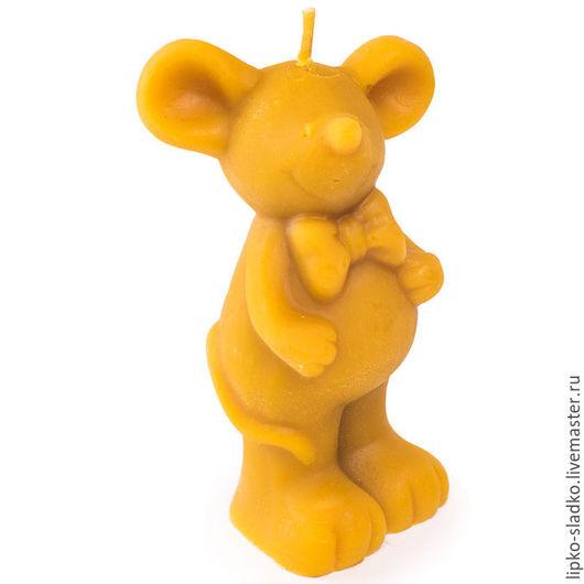 """Свечи ручной работы. Ярмарка Мастеров - ручная работа. Купить Свеча из натурального воска """"Мышь с бабочкой"""". Handmade. Оранжевый, мышка"""