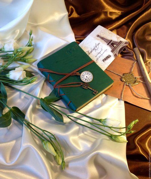 """Блокноты ручной работы. Ярмарка Мастеров - ручная работа. Купить Блокнот """"Секрет времени"""". Handmade. Тёмно-зелёный, крафт-бумага"""