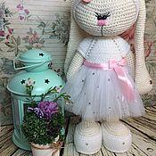 Куклы и игрушки ручной работы. Ярмарка Мастеров - ручная работа Вязаная зайка. Handmade.
