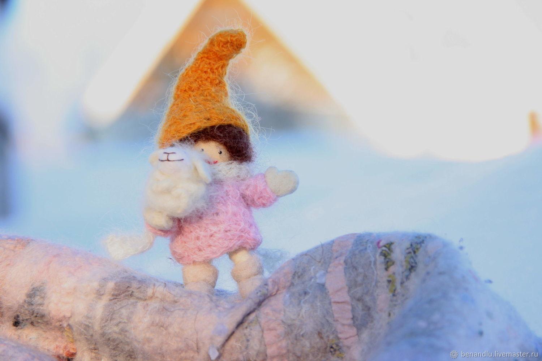 Пастушка и Овечка, подвижная куколка. Дерево, войлок. Овечка - брошь, Мягкие игрушки, Санкт-Петербург,  Фото №1