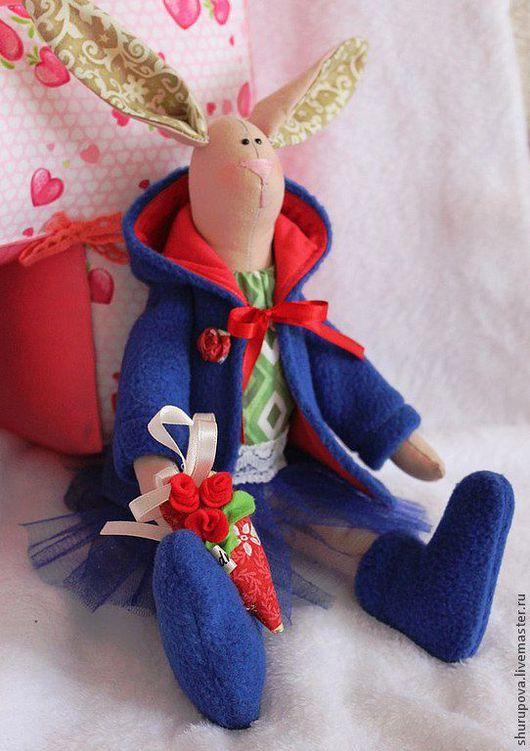 Куклы Тильды ручной работы. Ярмарка Мастеров - ручная работа. Купить Зайка Тильда, текстильная кукла с сердцем в руках. Handmade.