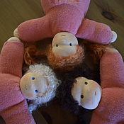 Куклы и игрушки ручной работы. Ярмарка Мастеров - ручная работа Вальдорфская куколка-малышка в красном. Handmade.