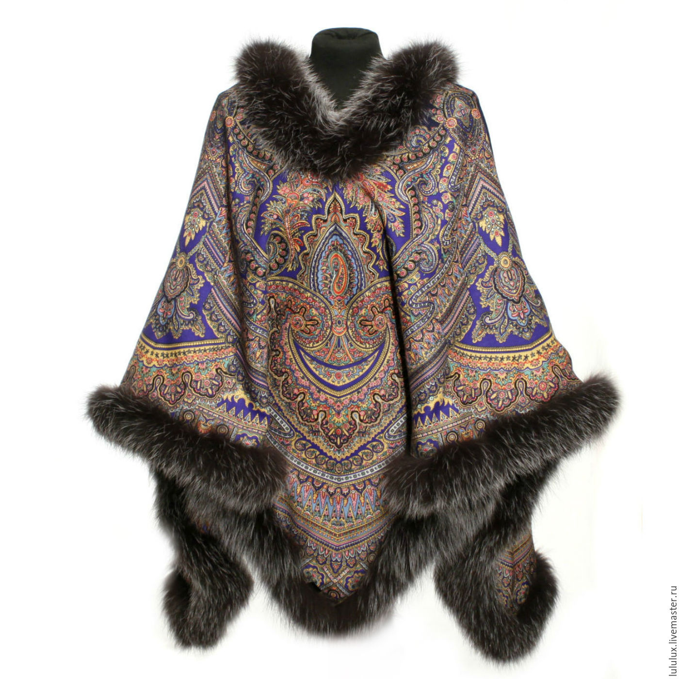 Poncho from a scarf pavlovoposadskaja 'Magical pattern' with fur 1290-14/178, Ponchos, Moscow,  Фото №1