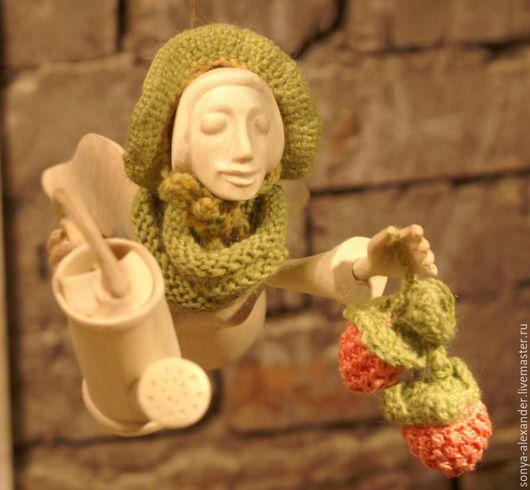 Коллекционные куклы ручной работы. Ярмарка Мастеров - ручная работа. Купить Ангел с ягодами. Handmade. Комбинированный, ягоды, новогодний сувенир