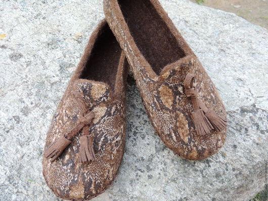 """Обувь ручной работы. Ярмарка Мастеров - ручная работа. Купить Валяные тапочки женские """"Лоферы"""". Handmade. Коричневый"""