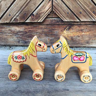 Куклы и игрушки ручной работы. Ярмарка Мастеров - ручная работа Лошадка на колёсах Деревянная игрушка. Handmade.