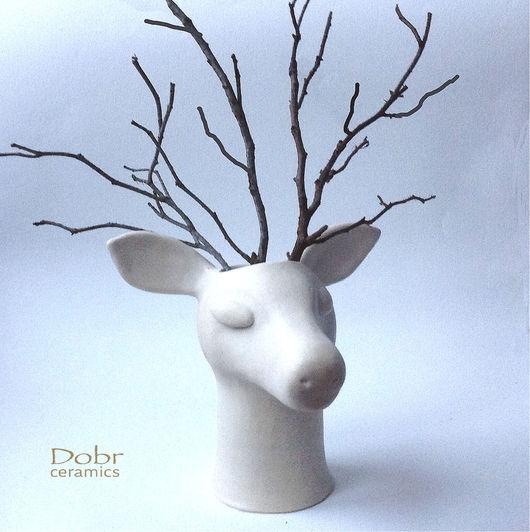 """Вазы ручной работы. Ярмарка Мастеров - ручная работа. Купить Ваза""""Лесной олень"""". Керамика.. Handmade. Белый, охотничий интерьер, dobrceramic"""