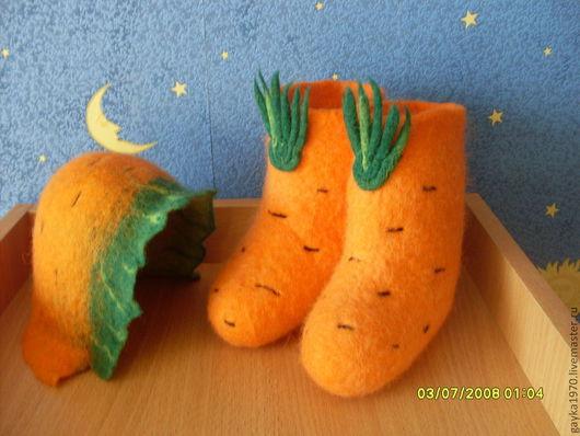 """Детская обувь ручной работы. Ярмарка Мастеров - ручная работа. Купить Комплект """"Морковки"""" валенки+шапочка. Handmade. Оранжевый, шерсть"""