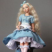 Куклы и игрушки ручной работы. Ярмарка Мастеров - ручная работа Алиса фарфоровая шарнирная кукла. Handmade.