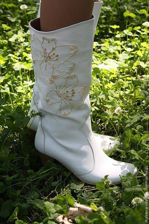 Обувь ручной работы. Ярмарка Мастеров - ручная работа. Купить Сапоги женские кожаные Лилии. Handmade. Белый, красота