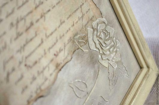 Панно с розами и старым письмом под старину