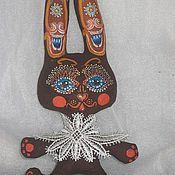 Куклы и игрушки ручной работы. Ярмарка Мастеров - ручная работа зайцы коричные с росписью. Handmade.