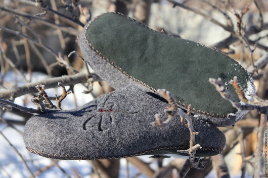Обувь ручной работы. Ярмарка Мастеров - ручная работа. Купить Тапочки валяные,обувь для дома,обувь ручной работы,тапки из шерсти,тап. Handmade.